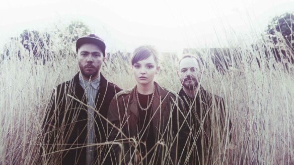 chvrches_wide-3fec012be2ad9679c02753076d9e04511f437703-s40-c85